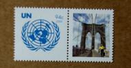 """Y1 Nations Unies (New York)  : Emblème De L'ONU Avec Vignette Personnalisée """"ville De New York"""" - Ongebruikt"""