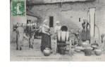 61  -  CPA  De SCENES  DE  LA  VIE  NORMANDIE  -  Visite  à  La Ferme : Servantes Se  Préparant à Faire Le Beurre - France