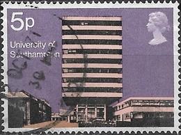GREAT BRITAIN 1971 British Architecture. Modern University Buildings - 5p Farday Building, Southampton University  FU - 1952-.... (Elisabetta II)