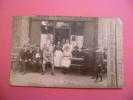 --C P A -----   Carte Photo---Le Café Des Bains . - A Identifier