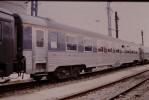 Photo Diapo Diapositive Train Wagon Locomotive Voiture Spéciale Inox Le 19 Juillet 2000 VOIR ZOOM - Diapositives