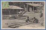 OCEANIE --  VANUATU - NOUVELLES HEBRIDES --  Séchant Le Coprah - Vanuatu