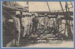 OCEANIE --  VANUATU - NOUVELLES HEBRIDES -- Campagne Du KERSAINT - Inspection Des Sacs - Vanuatu