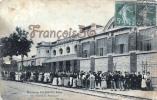(25) Pontarlier - Maison Pernod Fils - Sortie Du Personnel - En L'état : égratignures - 2 SCANS - Pontarlier