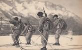 CPA -  Eclaireurs  - Skieurs - Régiments