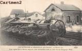 CATASTROPHE COURVILLE CHARTRES TRAIN PARIS-RENNES TAMPONNE TRAIN DE MARCHANDISE ACCIDENT DERAILLEMENT LOCOMOTIVE - Courville