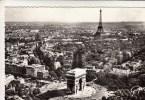 75 - Paris Vue Aérienne D'avion - La Place Et L'arc De Triomphe De L'Etoile, En Deuxième Plan La Tour Eiffel - Arc De Triomphe