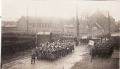 Photo 14-18 BREBIERES - Soldats Allemands Au Passage à Niveau, Cortège Funèbre (A119, Ww1, Wk 1) - France