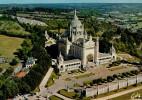 LA FRANCE  VUE  DU  CIEL   LISIEUX   LA  BASILIQUE     (VIAGGIATA) - Lisieux