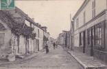 CPA - 78 - MOISSON - La Grande Rue - 83 - France