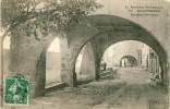 ROQUEBRUNE (83) Les Vieux Portiques - Roquebrune-sur-Argens