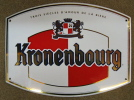 PLAQUE TOLE EMAILLEE KRONENBOURG TROIS SIECLES D´AMOUR DE LA BIERE HATT BRASSEURS DEPUIS 1664 / EMAILLERIE BELGE - Plaques Publicitaires