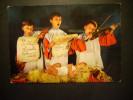1990 NIÑO NIÑOS CHILDREN CHILDRENS ENFANT ENFANTS ESCENA CANTANDO VILLANCICOS POSTCARD AÑOS 60/70 - TENGO MAS POSTALES - Escenas & Paisajes