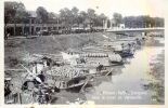 CAMBODGE PHNOM PENH  CARTE PHOTO SAMPANS CANAL DE VERNEVILLE ETHNOLOGIE TRACE ROUGE DUE AU SCAN - Cambodia