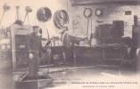 CPA 33 @ LIBOURNE @ INONDATIONS De Février 1904 - Promenade En Bateau Dans Un Atelier De Tonnellerie - Métier Tonnelier - Libourne