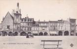CPA 33 @ LIBOURNE @ Place Hôtel De Ville - Café National Et Café Baron - Pub Olibet Biscuit - Marcel Dufau - Diligence - Libourne