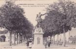 CPA 33 @ LIBOURNE @ Statue Du Capitaine De Gereaux - Allées De Tourny - Libourne