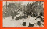 Carte Photo à Identifier - Procession - Célébration Dans La Manche ? - Cartes Postales