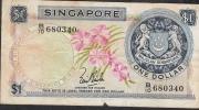 SINGAPORE  P1a 1 DOLLAR 1967 Signature 1    VG/F - Singapour