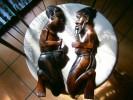 2 STATUETTES BOIS AFRICAINES A ACCROCHER  49 CM - Art Africain