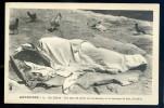 Cpa Abyssinie   Ethiopie -- La Literie - Une Peau De Vache Sert De Matelas -- Et Un Morceau De Bois L' Oreiller   OCT17 - Ethiopia