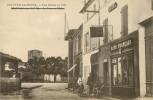 Dép 17 - Beauvais Sur Matha - Une Entrée En Ville - Hötel - Café Français à Droite -  Bon état Général - Altri Comuni