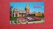 Disney > Disneyland Guest Entering Magic Kingdom ======== ==========-ref 2010 - Disneyland