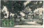 - St-Paul-Trois-Châteaux - Place Du Marché, Fontaine, Boutiques, écrite, Pour Saillans, TBE, Scans - Frankreich
