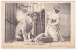 """La Célèbre Dompteuse """"Nouma Hawa"""" Dans La Cage Des Lions - Circulé Sans Date - Circus"""