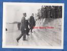 Photo Ancienne - DOUAUMONT Prés VERDUN ( Meuse ) - Le Général GAMELIN ? Monte Les Marches - 1936 - Ossuaire - War, Military