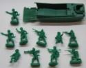 279/368  SOLDATINI POLIETILENE MIGNON ATLANTIC MM 25 CON MEZZO DA SBARCO - Figurines