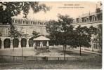 71. Bourbon Lancy. Cour Intérieur Du Grand Hotel. Coins émoussés - Autres Communes