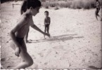 Old Real Original Photo - Naked Little Boy Playing On The Beach - 9x6.2 Cm - Persone Anonimi