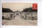 REVEILLON (61) - Vue De La Place Et De La Mairie - ANIMEE  (b) - France