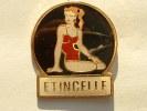 Pin´s PIN UP´S - ETINCELLE - Pin-ups