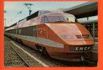 Train à Grande Vitesse (TGV) De La SNCF Qui Dessert Le Sud Est De La France à Partir De 1981 - Trains