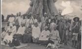 Cpa Ak Pk  Afrique Guinée Bissau Bissao  Portugaise Chefe Mutar Nosso Auxiliar Com A Sua Gente E Mulheres - Guinea-Bissau