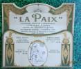 PUBLICITE  PLV  Pour ASSURANCE LA PAIX -PORTE LETTRES  CARTON GAUFFRé - Médaillon à La Femme Laurée - Paperboard Signs
