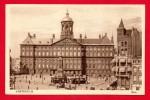 Amsterdam. Place Du Dam. Palais Royal Et Statue De La Campagne De 10 Jours Contre La Belgique - Amsterdam