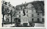CPSM 94 VILLEJUIF LA MAIRIE ET LE MONUMENT AUX MORTS - Villejuif