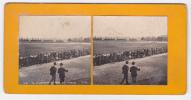 Photos Stéréoscopiques Sur Carton épais - Au Vélodrome Du Parc Des Princes, Les Tribunes Sont Pleines Durant Les Courses - Stereoscopio