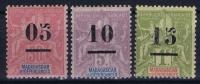 MADAGASCAR Yv Nr 48 - 50 MH/*, Avec  Charnière , Mit Falz,  50=signe - Madagascar (1889-1960)