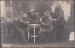 Allemagne Vers 1916. Carte Postale, Photo. Soldats Jouant Aux Cartes, Skat - Playing Cards