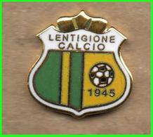 Pins Lentigione Calcio Pol. Dil. Brescello FootBall Soccer Spilla Italy Reggio Emilia - Calcio