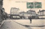 CPA 16 BARBEZIEUX PLACE DE L'EGLISE - Autres Communes