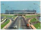 CPM   AEROPORT DE PARIS ORLY   L AEROGARE    VUE DE FACADE PAR L AUTOROUTE    ENVOL D AVION - Aerodrome