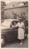 25019 Photographie Originale  Belgique - Vieille Voiture  -Yvoir Sept 1955 Couple - Automobiles