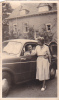 25019 Photographie Originale  Belgique - Vieille Voiture  -Yvoir Sept 1955 Couple