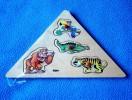 Puzzle En Bois - Neuf, Sous Cellophane - Motif: Animaux - 4 Pièces - En Forme De Triangle - Puzzles