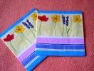 Lot De 2 Serviettes Jaunes ´Poppy Stripe´ - Neuves - Motif: Fleurs Mauves - Dimensions 33* 33 Cm - Serviettes Papier à Motif